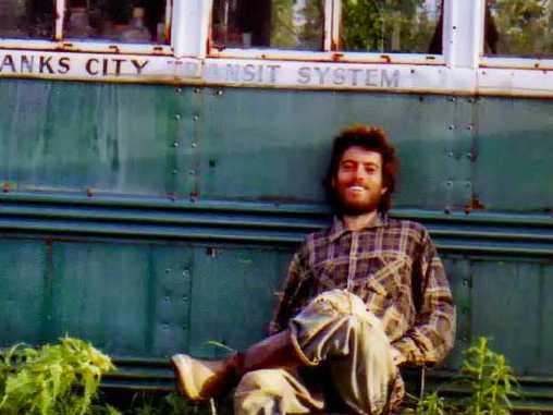 Ini foto asli Christoper yang di temukan di dalem kameranya