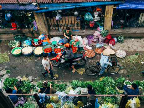 Pasar di bawah Jembatan, Hanoi, Vietnam
